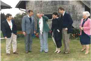 Presidential Salmon angler Claude Westfall delivers his fish to President Bush in May, 1992. Photo courtesy C. Westfall.